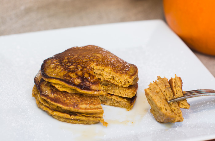 Whole Wheat Pumpkin Pie Pancakes